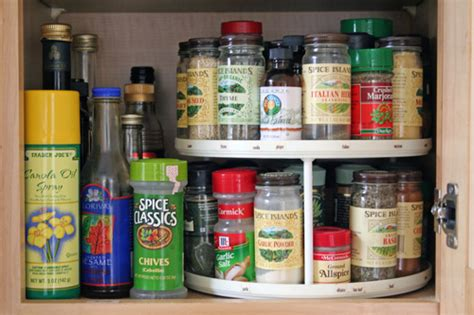 diy lazy susan spice rack clever ways to organize your home using lazy susans