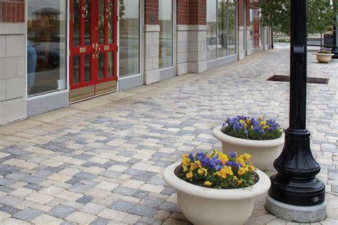 Unilock Showroom Illinois Benson Co Paving Brick For Patios And Driveways
