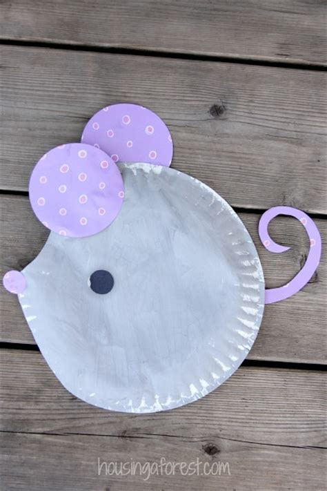 paper plate mouse craft housing a forest