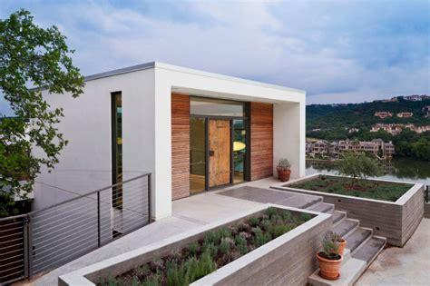 studio casa opera una casa al lago tra moderna eleganza e un sapiente