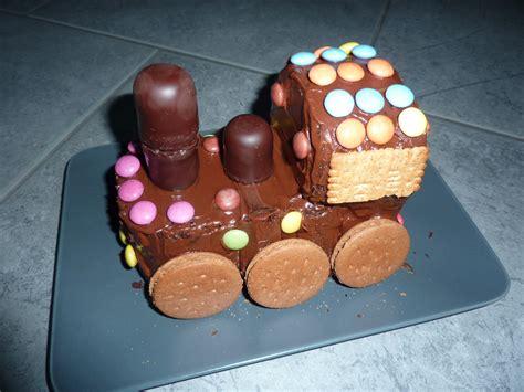 Lokomotive Kuchen Kindergeburtstag