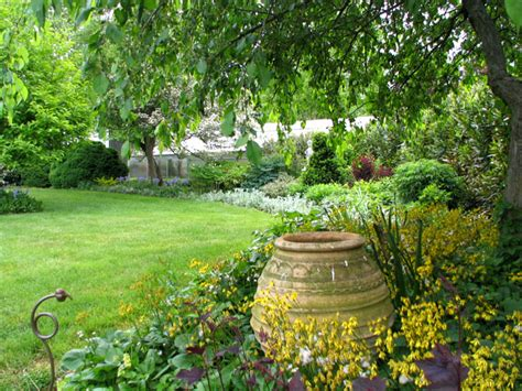 formal and informal gardens informal residentiallandscapeideas s