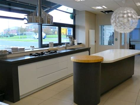 gloss grey ex display kitchen units with appliances ebay ex display mowlem grey stained oak and high gloss lacquer