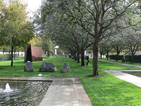 Sculpture Garden Dallas by Nasher Sculpture Center