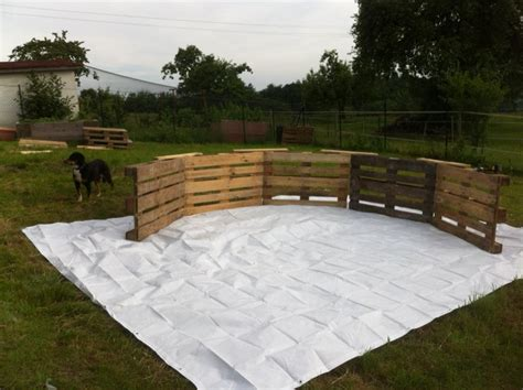 This Diy Pallet Swimming Pool Is Perfect For Any Backyard Diy Backyard Pool