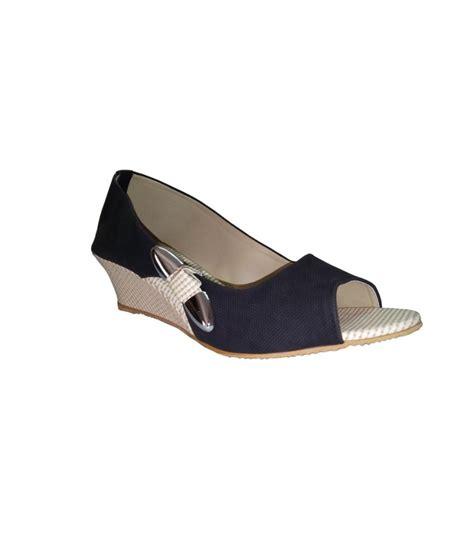 Wedges Slip On Korea 1 rwak black wedges heeled slip on price in india buy rwak black wedges heeled slip on at