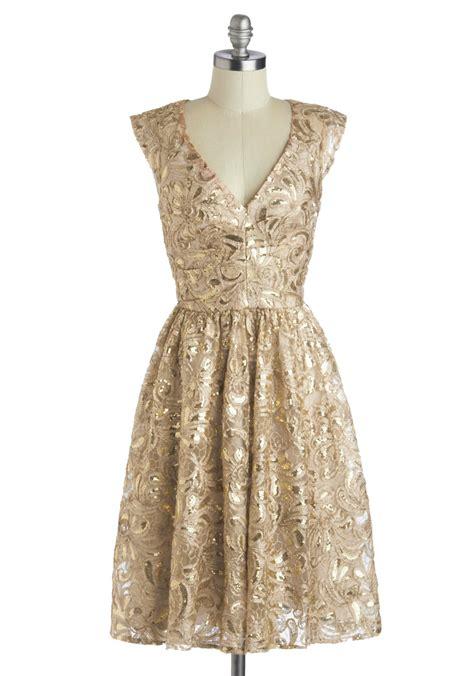 Gold Dresses Make Holidays Nicer by Arlington Million 2014 Best Dressed