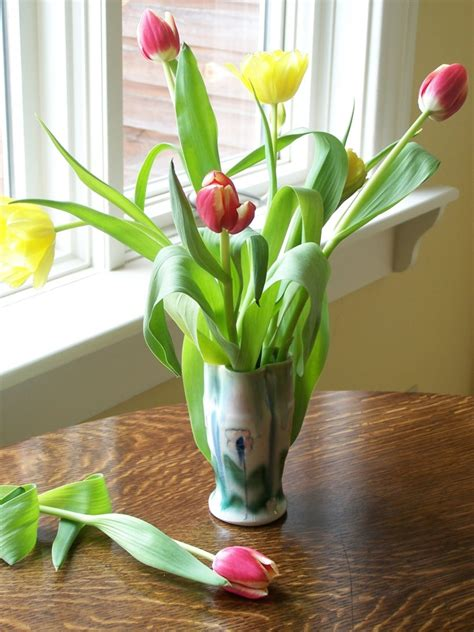 How To Decorate Flower Vase by 15 Ideas Of Decorating With Vases Mostbeautifulthings