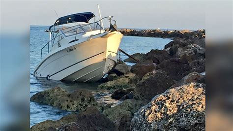 crash boat weather boat crashes into jetty in clearwater wtsp