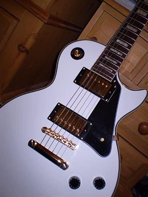 imagenes surrealistas de guitarras fotos de guitarras guitarras pinterest