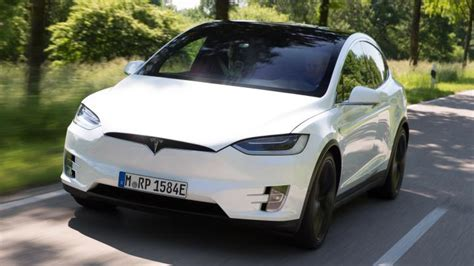 Tesla Suv Review Tesla Model X Suv Review Carbuyer