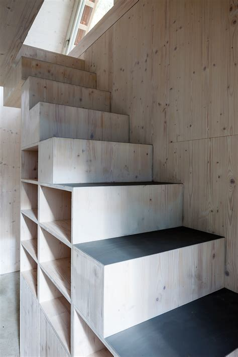 House Stairs by Gallery Of Chicken House B 252 Ros F 252 R Konstruktivismus 4