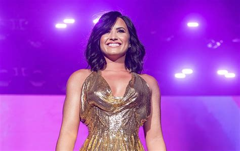 demi lovato quotes about life 7 demi lovato quotes to live by tigerbeat