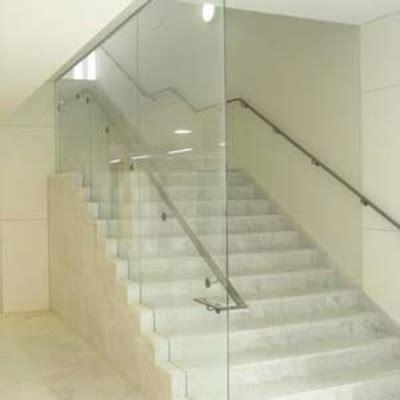 escaleras con barandilla de cristal cristal para barandilla de escalera en una casa zaragoza