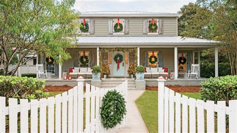 southern living christmas house by carithers flowers carolina colonial christmas outdoor decorations southern