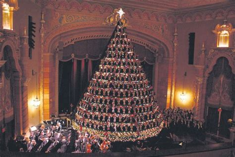 tlc features muskegon s singing christmas tree in quot extreme