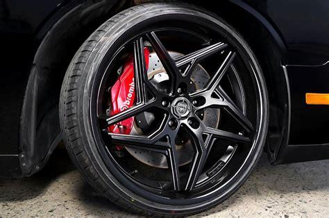 staggered lexani wheels spyder satin black  gloss