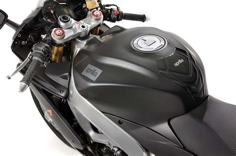 Aprilia Motorr Der 2013 photos the 2013 aprilia rsv4 r abs in matte black hi res