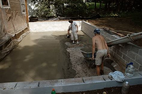 build a crawl space or a basement