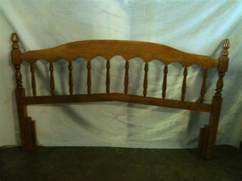 queen spindle bed 38 queen bed wood spindle headboard