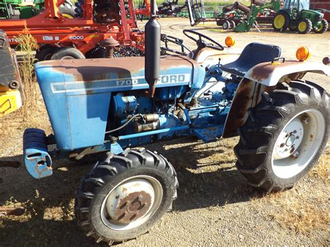 ford 1700 tractor 1978 ford 1700 tractors compact 1 40hp deere