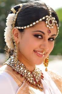 indian bridal hairstyle gallery indian bridal hair jewelry accessories buying guide