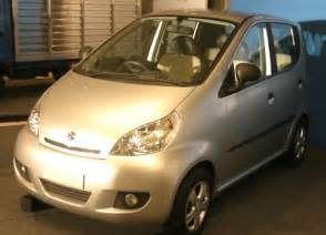 bajaj new small car bajaj unveils small car re60 may price it at rs 125 000