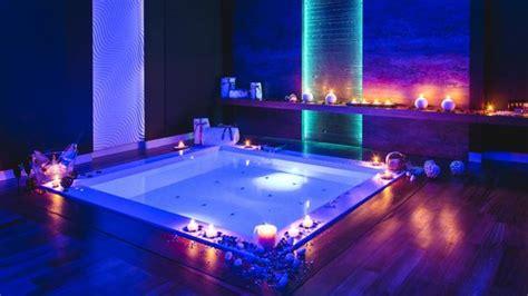 hotel con vasca idromassaggio in varcaturo suite spa foto di hotel orizzonte giugliano in cania