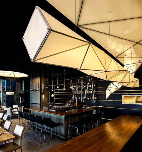 'ONE'  sushi restaurant / Nir Portal Architects & Liat Essig Architecture Lab