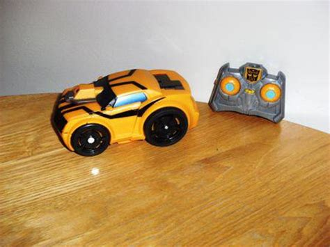 Mobil Bumble Bee Transformer Remote transformers prime bumblebee 2 in 1 remote robot