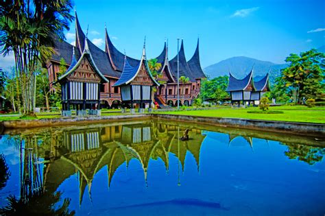 Wallpaper Alam Minangkabau   pakej percutian bukittinggi padang indahnya alam