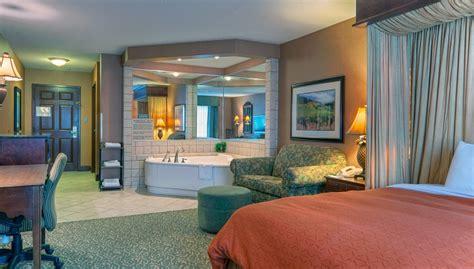 hotel rooms in va roanoke hotels downtown country inn suites suites