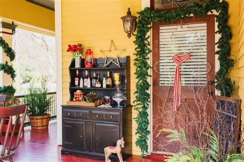 best home decor blogs uk 20 festive front porch decorating ideas for the holidays