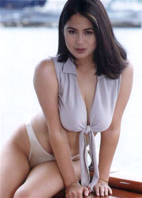 female movie stars from the 90s your favorite 90 s sexy female movie star
