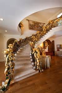 Christmas Decorations For Stairs by 30 Beautiful Christmas Decorations That Turn Your