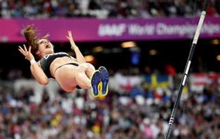 pole vault psbattle canadian pole vaulter anicka newell reacting to