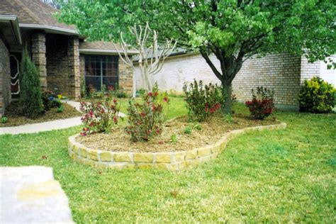 Flower Bed Stones by 5 Types Of Stones For Flower Beds You Must