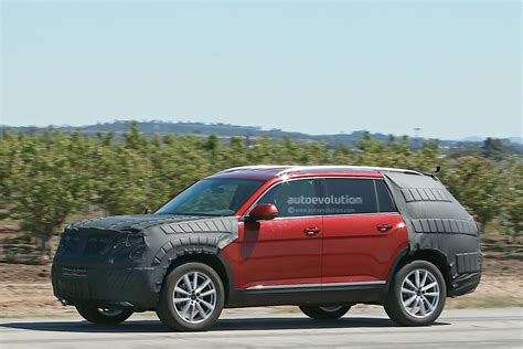 volkswagen suv 3 volkswagen testing a new suv with production body we