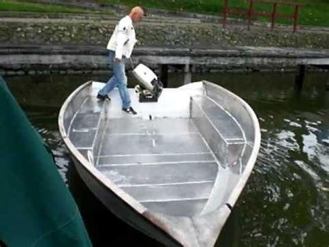 aluminium visboot bouwpakket ploeger kijk eens hoe stabiel de w bodem is youtube
