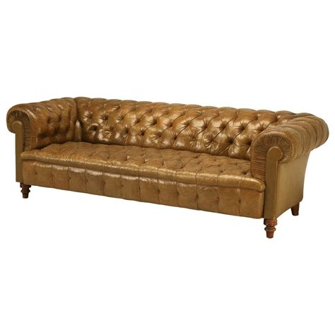 Chesterfield Tufted Sofa Original Unrestored Chesterfield Tufted Leather Sofa At 1stdibs