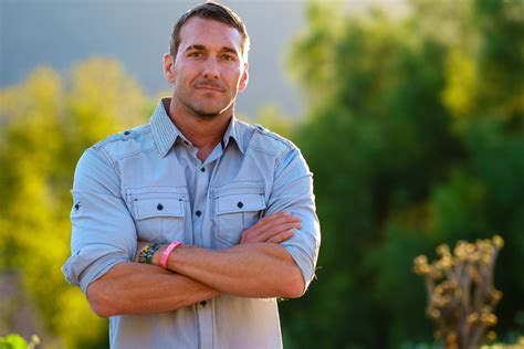 brandon mcmillan lucky brandon mcmillan s canine minded emmy winning host and