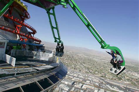 amusement park ride roof exerero stratosphere roller coaster