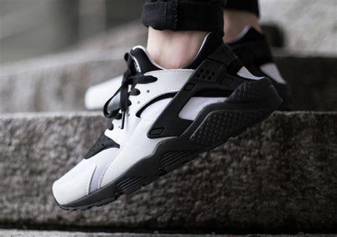 Nike Huarache Black by Nike Air Huarache White Black