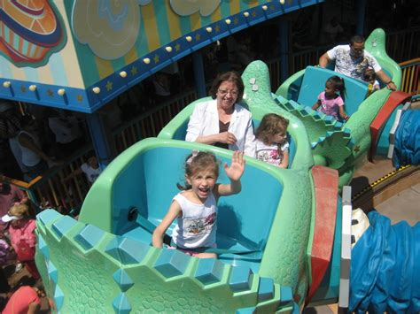 theme park for toddlers best parks at disney world for toddlers travelingmom