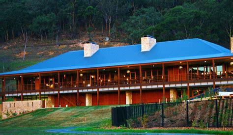 Zero Carbon Luxury Resort by Luxury Carbon Neutral Wolgan Valley