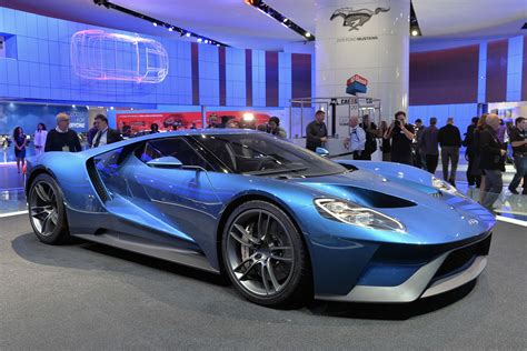 the new carbon fiber 600 horsepower 2017 ford gt is a twin