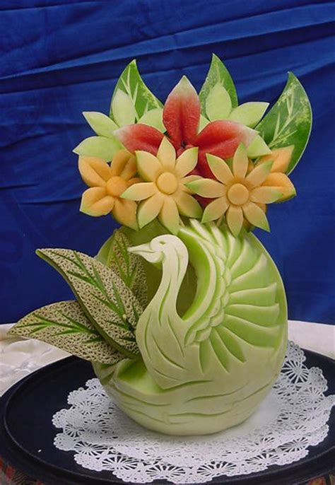 Latest Fruit and vegetable carving design and style 2013