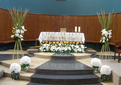 arreglos florales para confirmacion en iglesias decoracion iglesia para primera comunion centros de