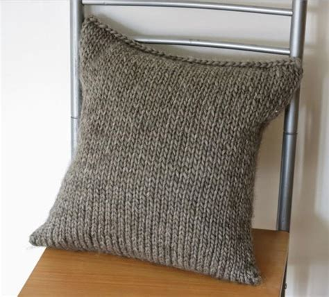 easy knit cushion cover seaming knitting easy methods for sewing knitting