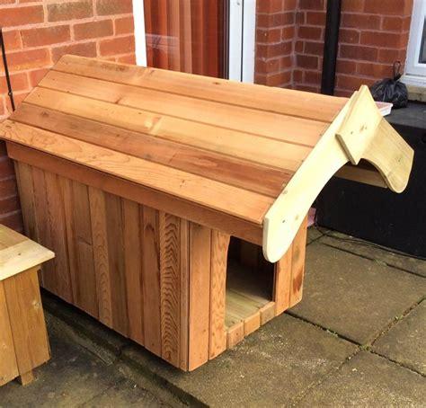 making dog house make a wooden pallet dog house